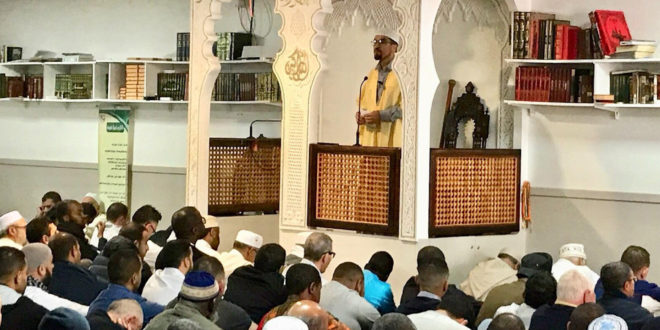 Imam pendant la khutba